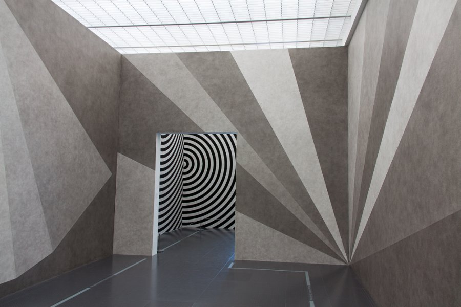 Title: Sol LeWitt, Wall Drawings   Author: Philippe-Alexandre Pierre   Source: Flickr   License: CC BY-NC-ND 2.0