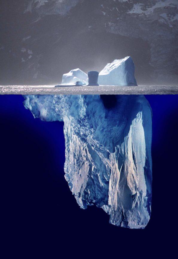 Author: Uwe Kils and Wiska Bodo | Author URL: http://www.ecoscope.com/iceberg/ | Source: https://de.wikipedia.org/wiki/Eisbergmodell#/media/File:Iceberg.jpg | License: CC BY-SA 3.0