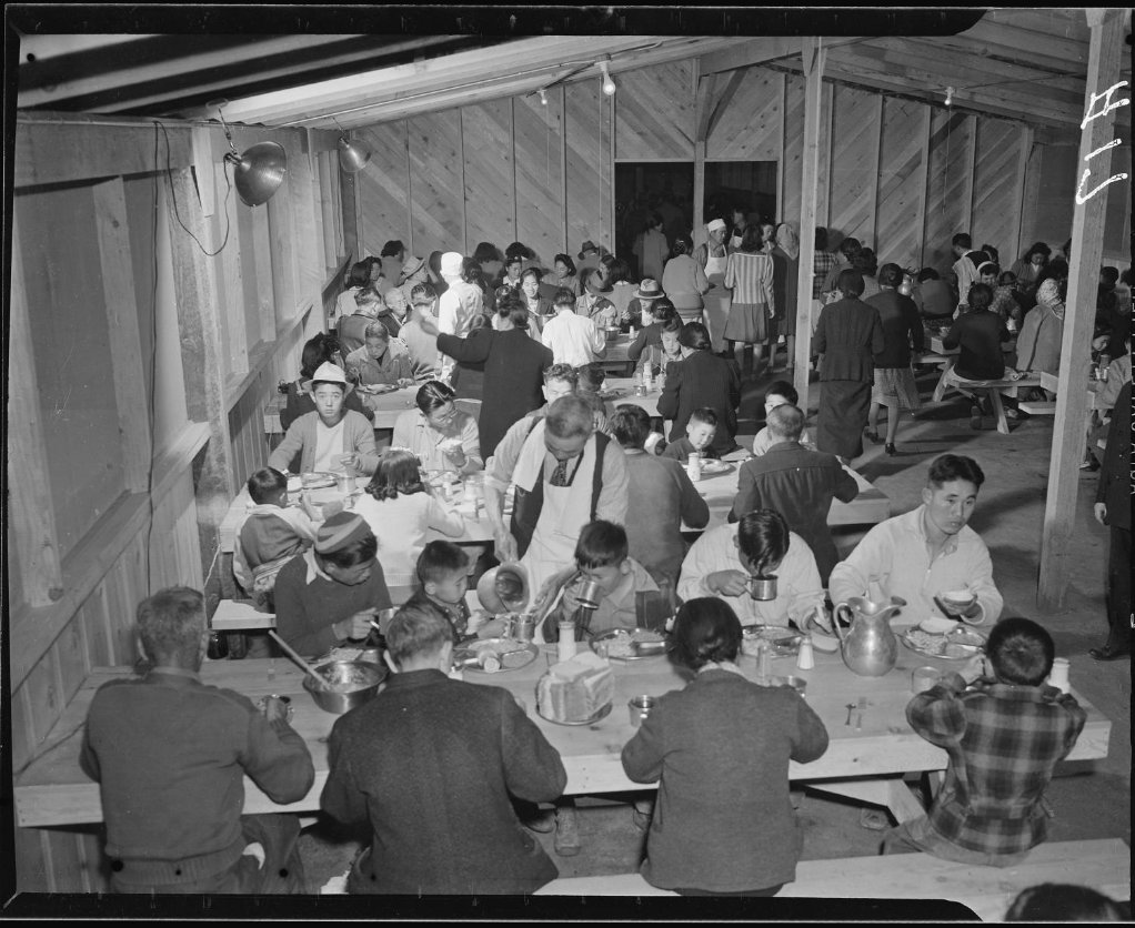 Mealtime at the Manzanar Relocation Center | Author: Clem Albers | Source: National Archives Catalog | Identifier: 536013 | License: CC0