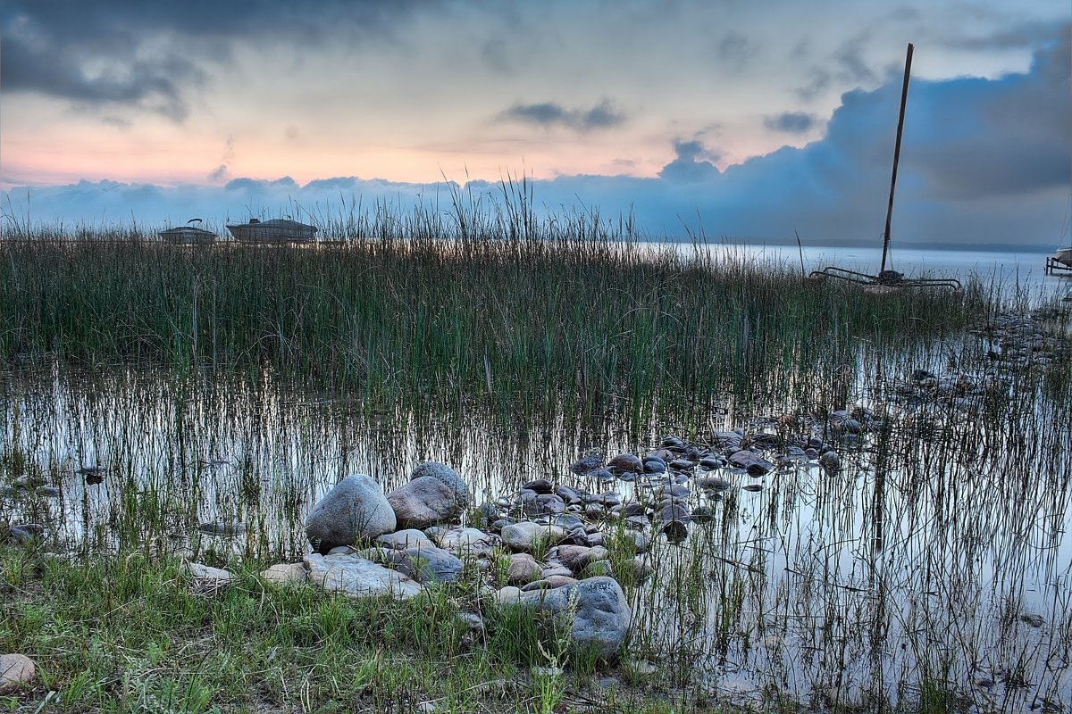 Title: Sunrise on the Lake – Traverse City, MI | Author: Bryan Casteel | Source: Panoramio | License: CC BY 3.0